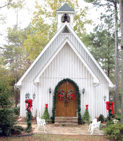 vintage vows wedding chapel hidden in the heart of the tennessee valley in north alabama this wedding chapel offers all that a couple could dream of